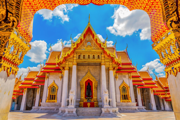 marble-temple-thailand-wat-benchamabophit_69186-18