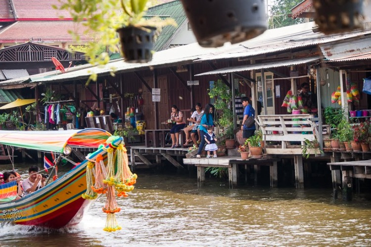 taking-a-boat-ride_see-local-community
