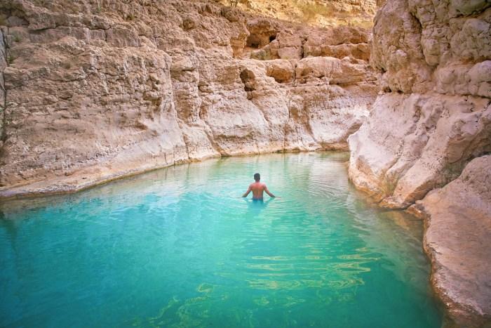 Wadi-Shab-Terrence-swim