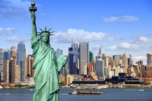 new-york-city-statue_grande_ed51e354-63ed-4a7b-83f5-e1e1496f0f6f