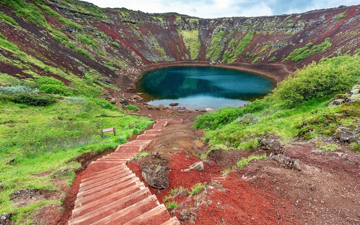 thumb2-kerid-crater-volcanic-crater-lake-iceland-grimsnes-mountains
